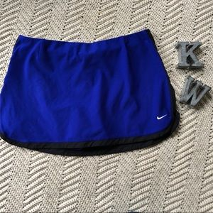 Nike  women's tennis/ golf XL 16-18 blue skort